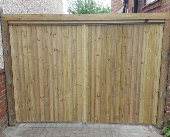 Bespoke closeboard gate